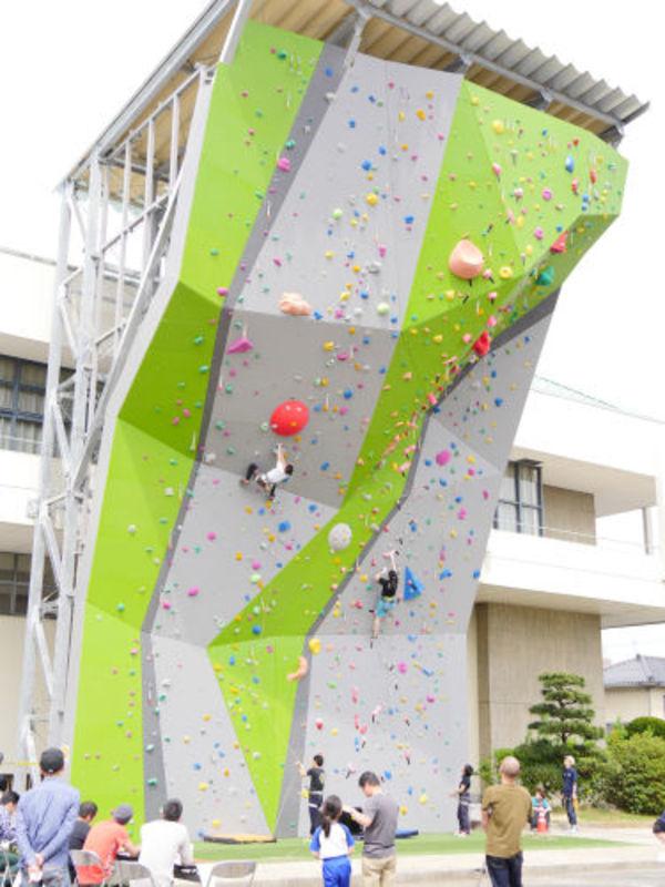 県立倉吉体育文化会館のサムネイル